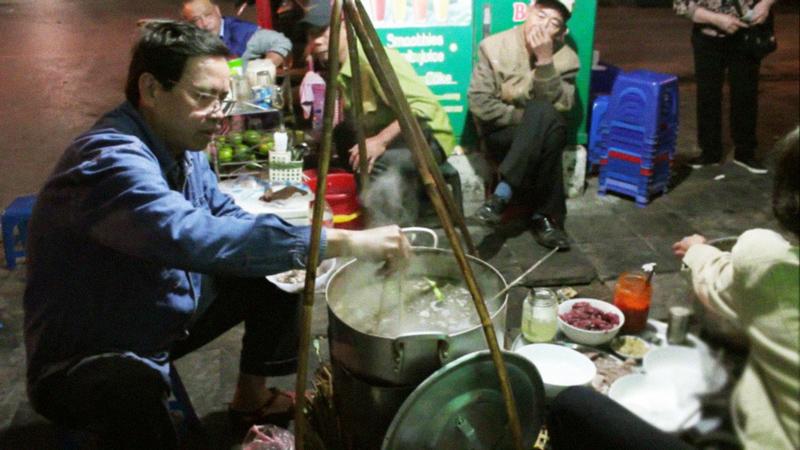 Gánh phở rong trên đường phố Hà Nội